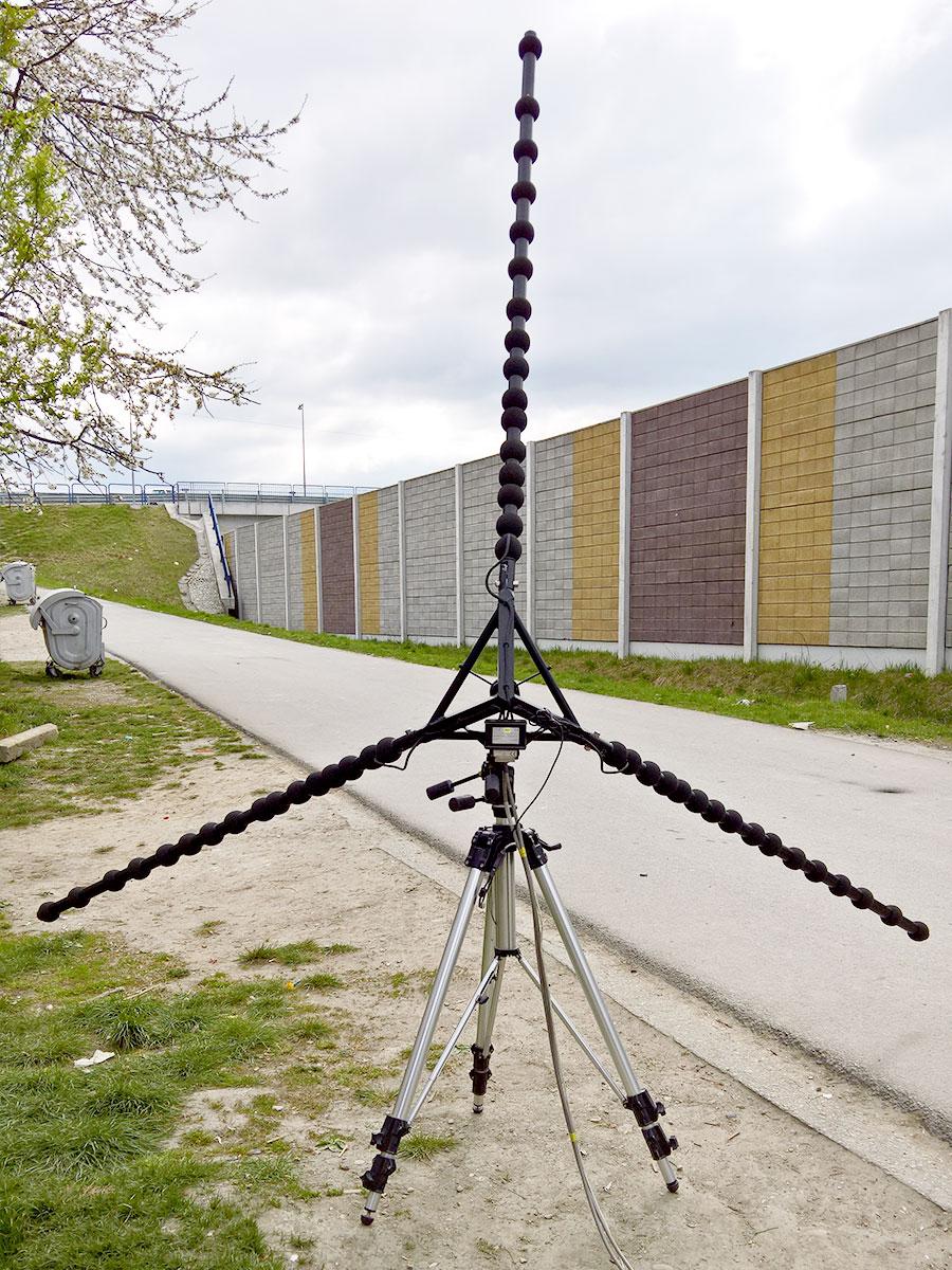 Vizualizácia zdrojov hluku z dopravy, ktoré prenikajú cez protihlukovú bariéru