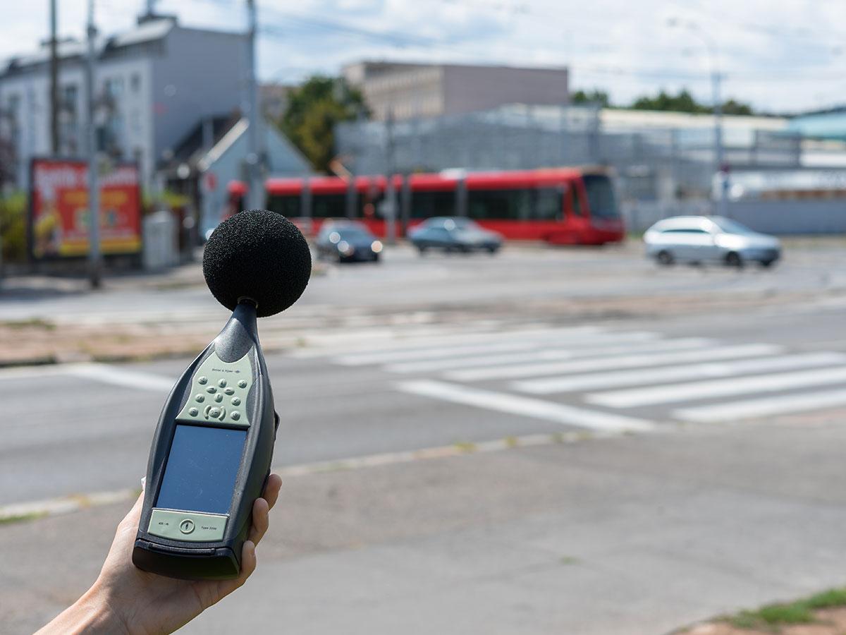 Meranie hluku z pozemnej dopravy, vrátane električiek