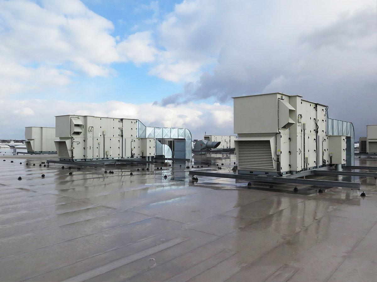 Meranie hluku zo vzduchotechnických jednotiek umiestnených na streche závodu