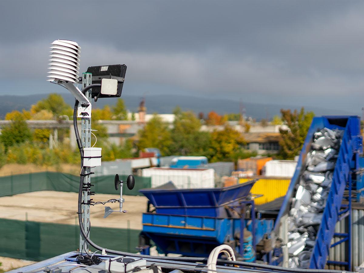 Kontinuálne sledovanie meteorologických údajov, ktoré vplývajú na šírenie zvuku